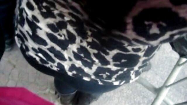 ブロンドは鏡の前で愛撫する。 無料 女性 専用 アダルト 動画