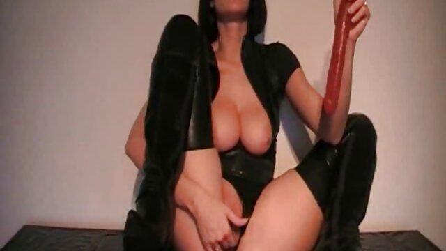 レズビアン赤いストッキングナメクタ意識したサイズ 女性 専用 アダルト 無料