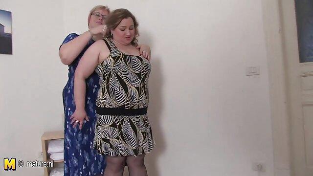 友人にお尻と膣に三女性とともにrippedストッキングでaパーティ 女の子 専用 無料 エロ 動画