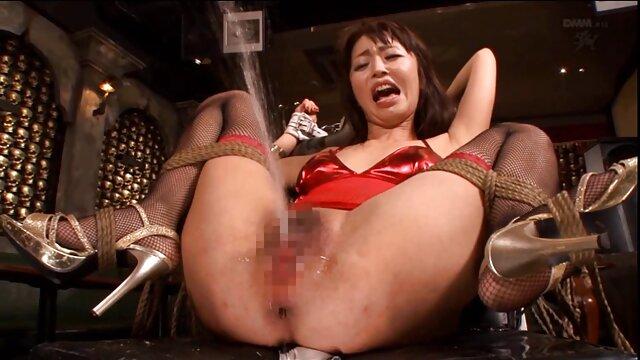 Pikaperは、オープンバルコニーに大人の女性の膣に巨根を入れます 無料 女性 専用 アダルト