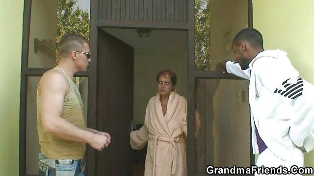 男はバスルームでメンバーが自慰行為をするオナニー 女性 専用 エロ 無料