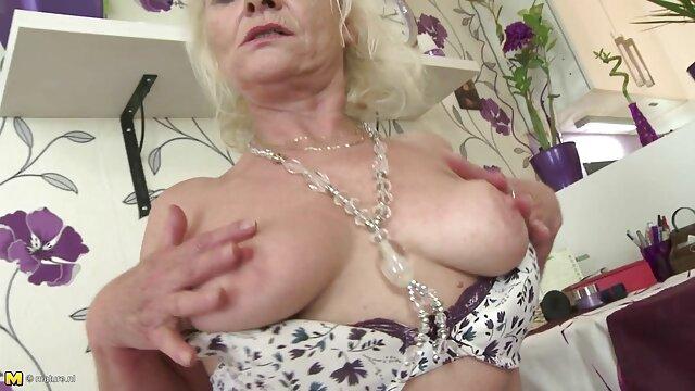女の子に扮してポーランドメイドのごhahala後、肛門 無料 女性 専用 アダルト