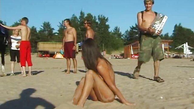チアリーダーは不規則からオルガスムに来る。 女性 専用 エロ 動画