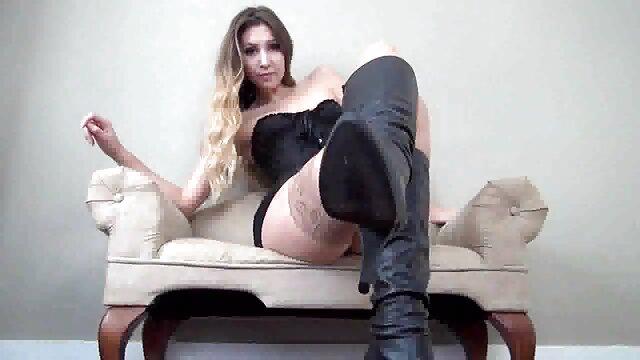 金髪のお母さんcraves癌を通じて穴に黒ストッキング 女性 専用 アダルト 画像