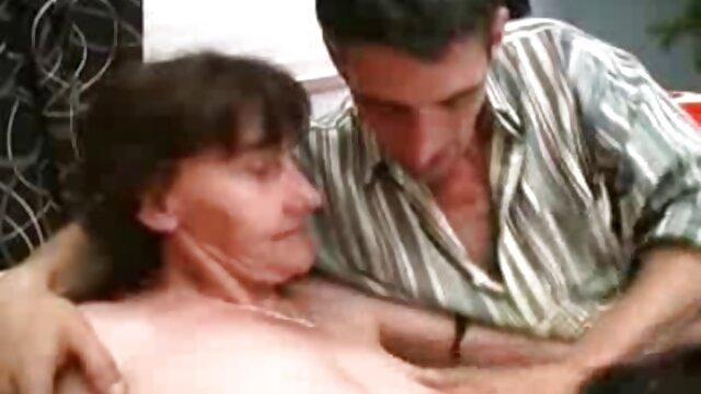 肛門の穴の客室乗務員。 女性 専用 車両 エロ 動画