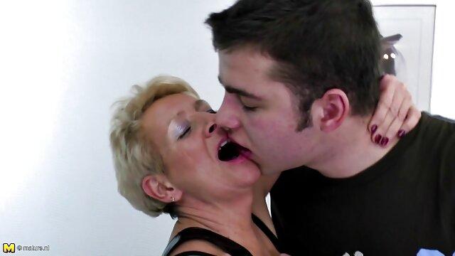 夫はディルドとお尻の大きなメンバーで妻を犯した。 女の子 専用 無料 エロ 動画