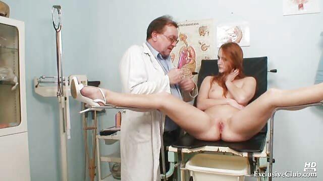 コンドームでマッサージ師をファックします。 女性 専用 エロ 無料 動画