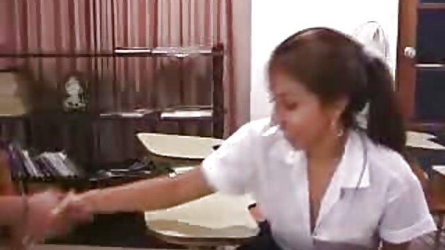 マスクされた強盗は、太った女性をソファに家に連れて行った。 女性 専用 アダルト 動画 無料