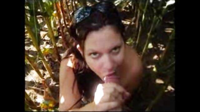コックとストッキングで黒人女性を引っ張る白 エロ 動画 女子 専用