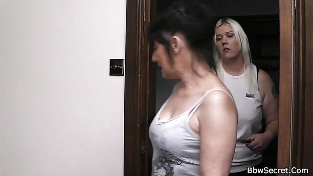 愛人の機械の女の子のディックの浴室の床 女性 専用 エロ 動画 無料