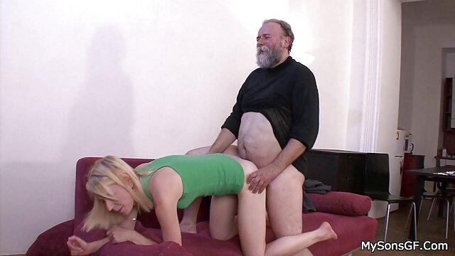 詐欺師の卵を吸い込み、肛門の穴でネジに飛び込む高い肌 女性 専用 アダルト ビデオ