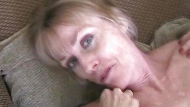 リビングルームのセックスマシン。 女の子 専用 アダルト 動画